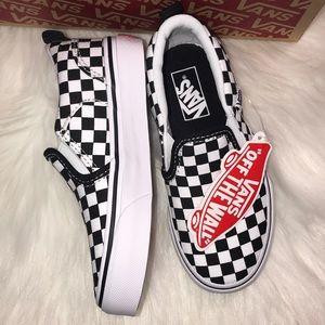 fe97550c4f Vans Shoes - NIB Vans Black white checkerboard Asher Sz 11 kids